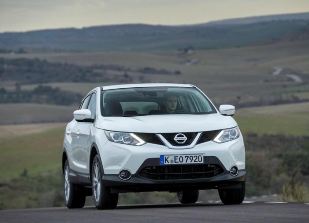 Nissan Qashqai offerta con 10 anni di garanzia per celebrare i 10 anni di vita del crossover - Foto 9 di 16