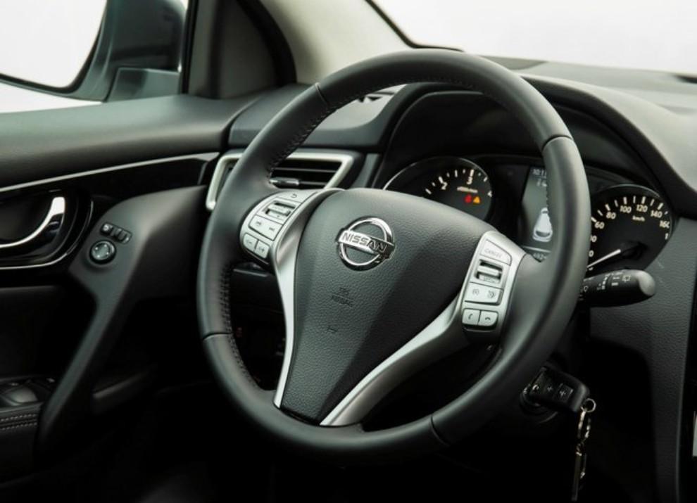 Nissan Qashqai offerta con 10 anni di garanzia per celebrare i 10 anni di vita del crossover - Foto 5 di 16