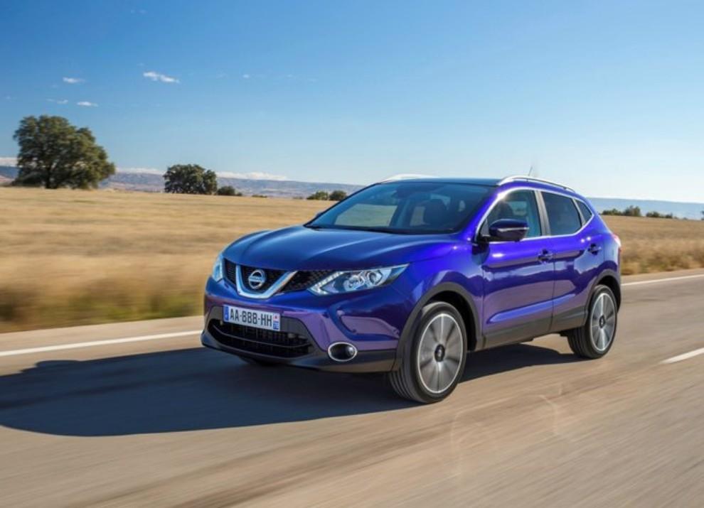 Nissan Qashqai offerta con 10 anni di garanzia per celebrare i 10 anni di vita del crossover - Foto 12 di 16