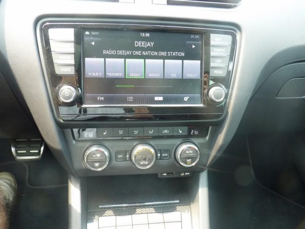 Skoda Octavia 2.0 TSI RS DSG Wagon: la prova su strada - Foto 3 di 27