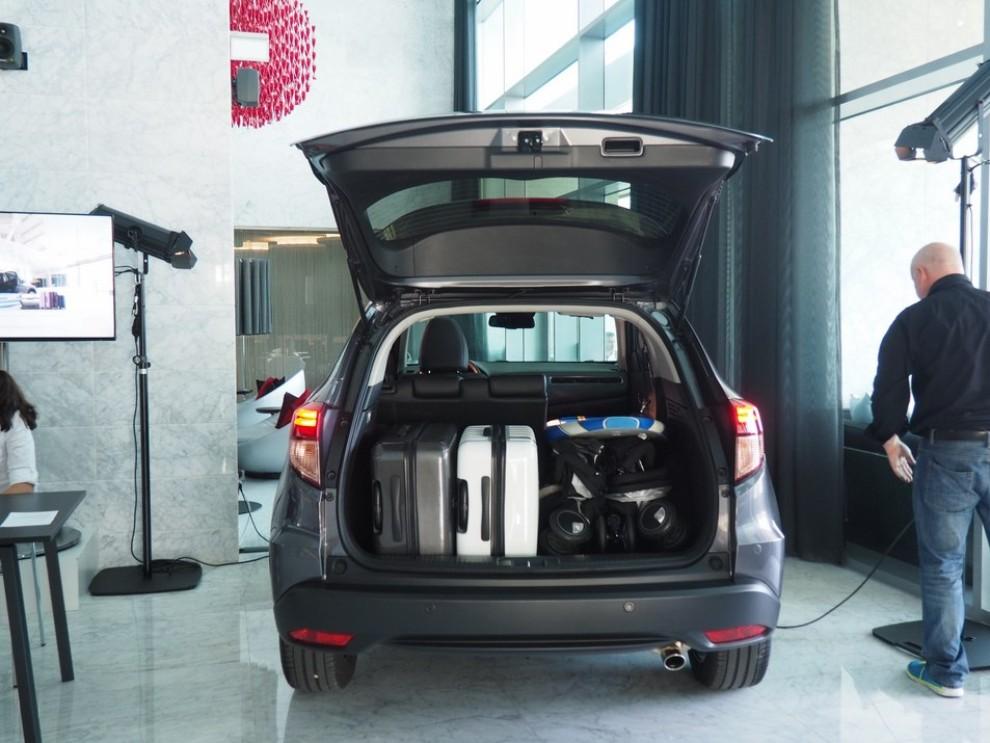 Honda HR-V, prova su strada della nuova generazione del Suv giapponese - Foto 9 di 15