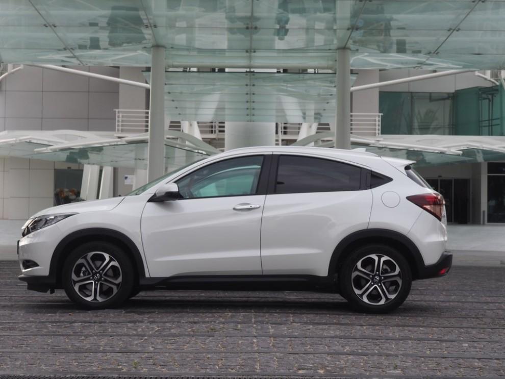 Honda HR-V, prova su strada della nuova generazione del Suv giapponese - Foto 2 di 15