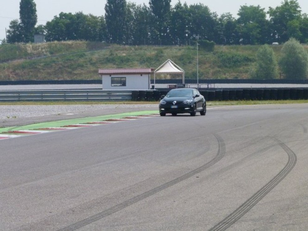 Renault Megane RS, l'auto giusta per divertirsi - Foto 15 di 19
