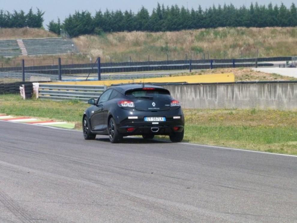 Renault Megane RS, l'auto giusta per divertirsi - Foto 17 di 19