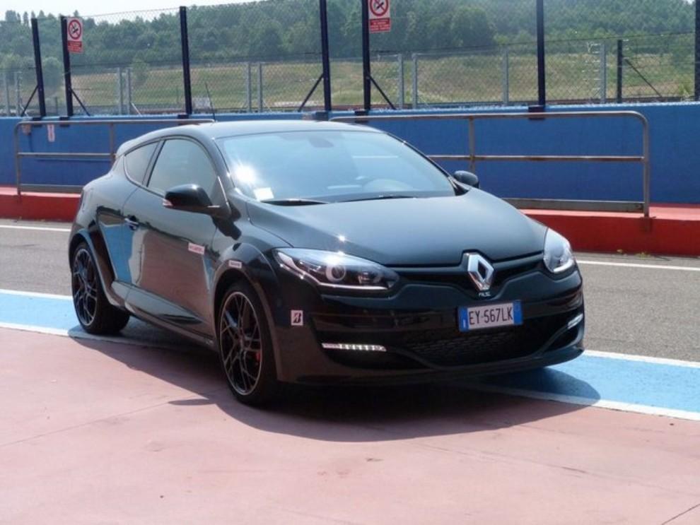 Renault Megane RS, l'auto giusta per divertirsi - Foto 16 di 19