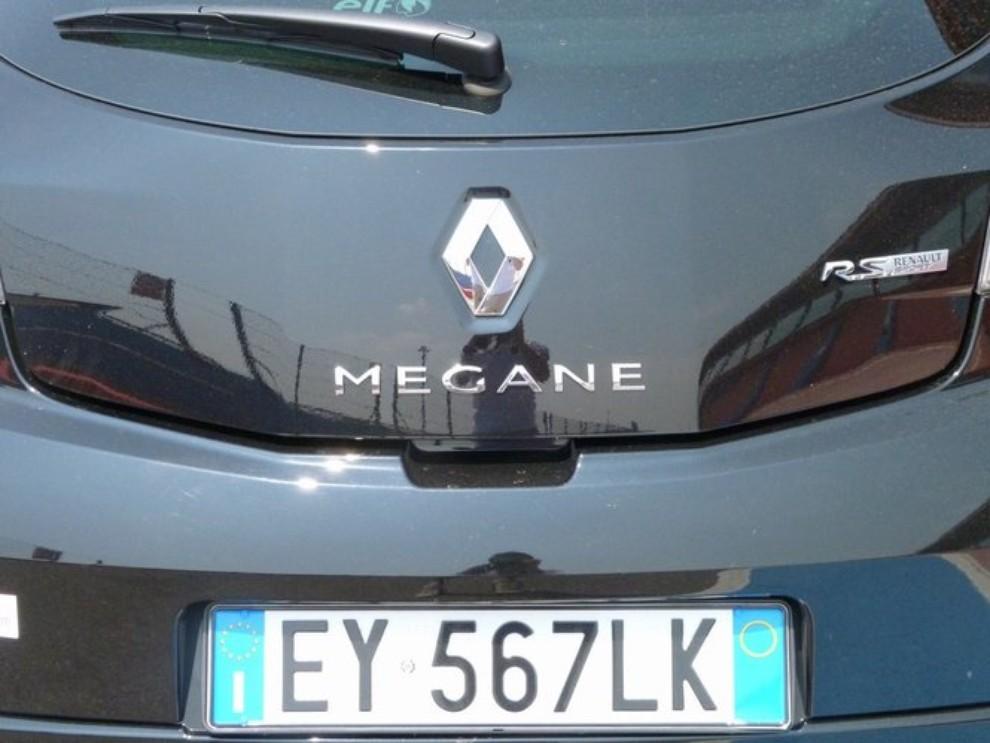 Renault Megane RS, l'auto giusta per divertirsi - Foto 2 di 19