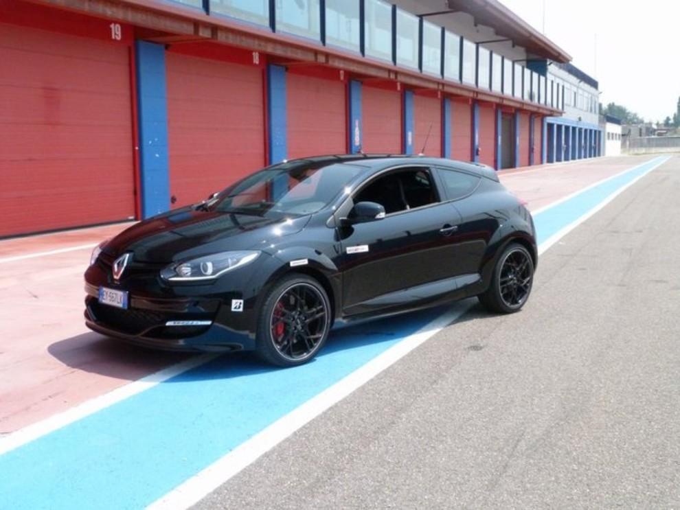 Renault Megane RS, l'auto giusta per divertirsi - Foto 8 di 19