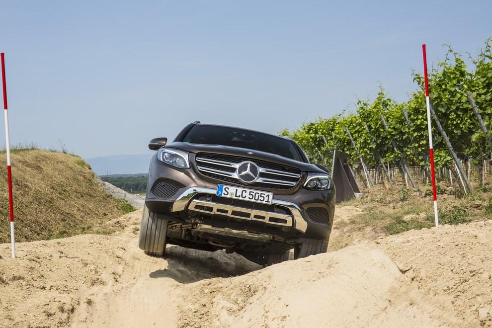 Mercedes GLC: i prezzi e le informazioni del nuovo suv tedesco - Foto 31 di 63
