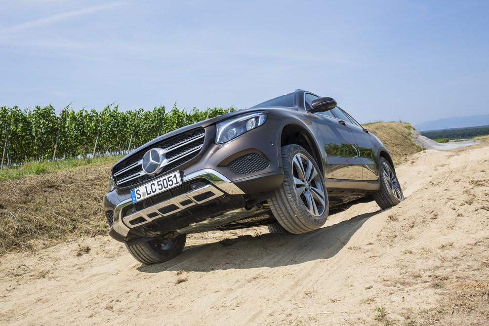 Mercedes GLC: i prezzi e le informazioni del nuovo suv tedesco - Foto 40 di 63