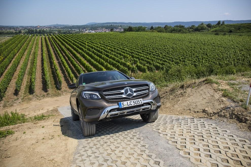 Mercedes GLC: i prezzi e le informazioni del nuovo suv tedesco - Foto 47 di 63