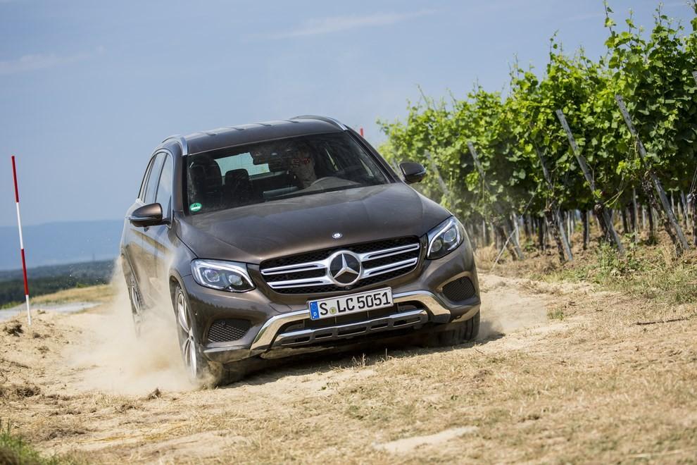 Mercedes GLC: i prezzi e le informazioni del nuovo suv tedesco - Foto 54 di 63