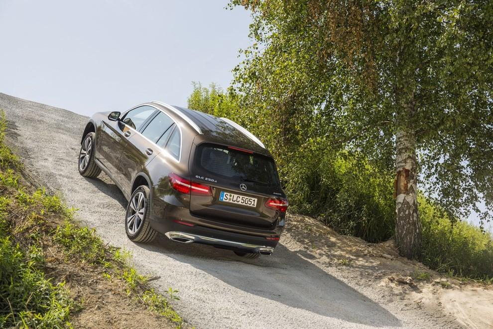Mercedes GLC: i prezzi e le informazioni del nuovo suv tedesco - Foto 55 di 63