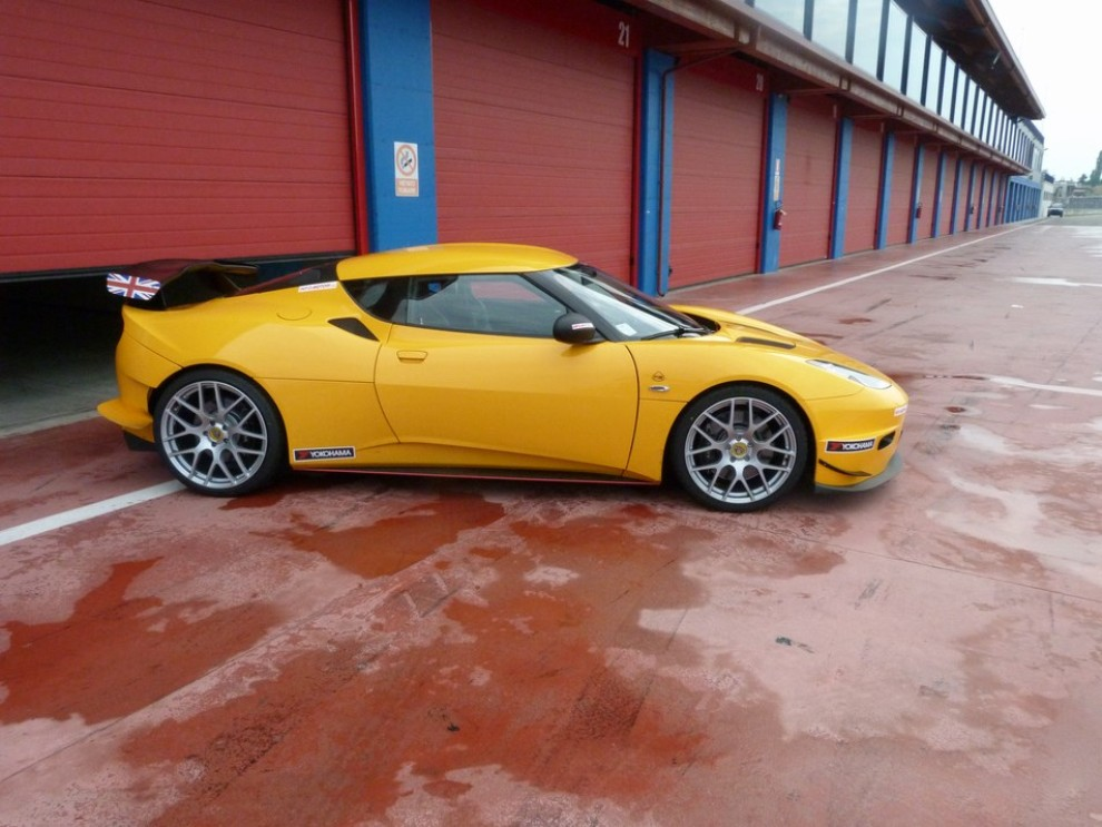 Lotus Evora S in pista con Tommy Maino - Foto 3 di 13
