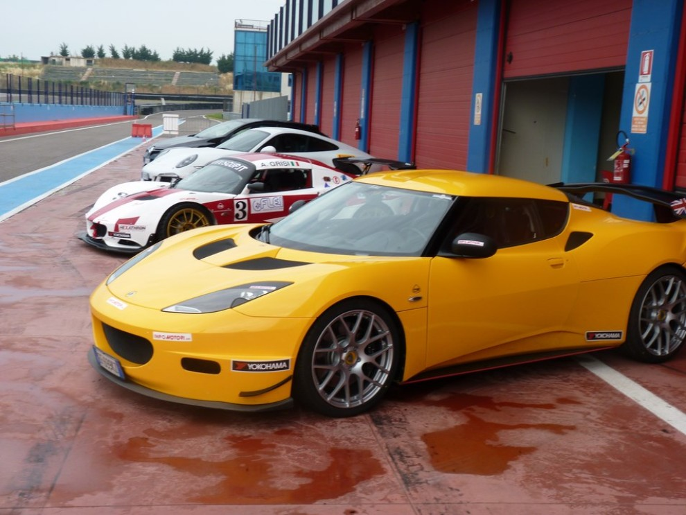 Lotus Evora S in pista con Tommy Maino - Foto 6 di 13