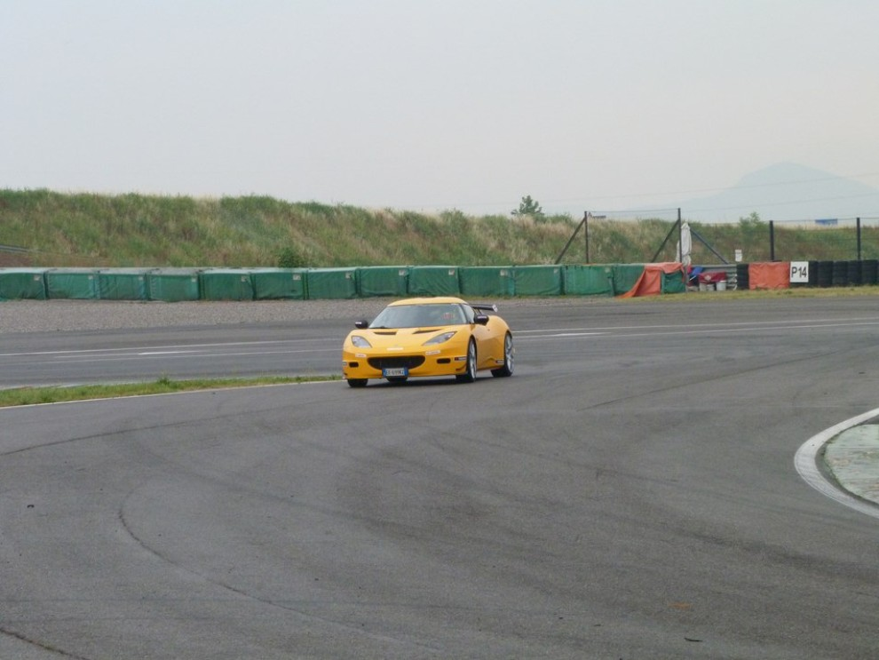 Lotus Evora S in pista con Tommy Maino - Foto 5 di 13