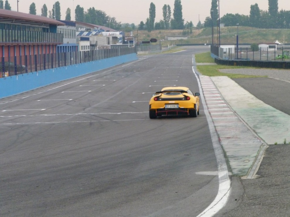 Lotus Evora S in pista con Tommy Maino - Foto 7 di 13