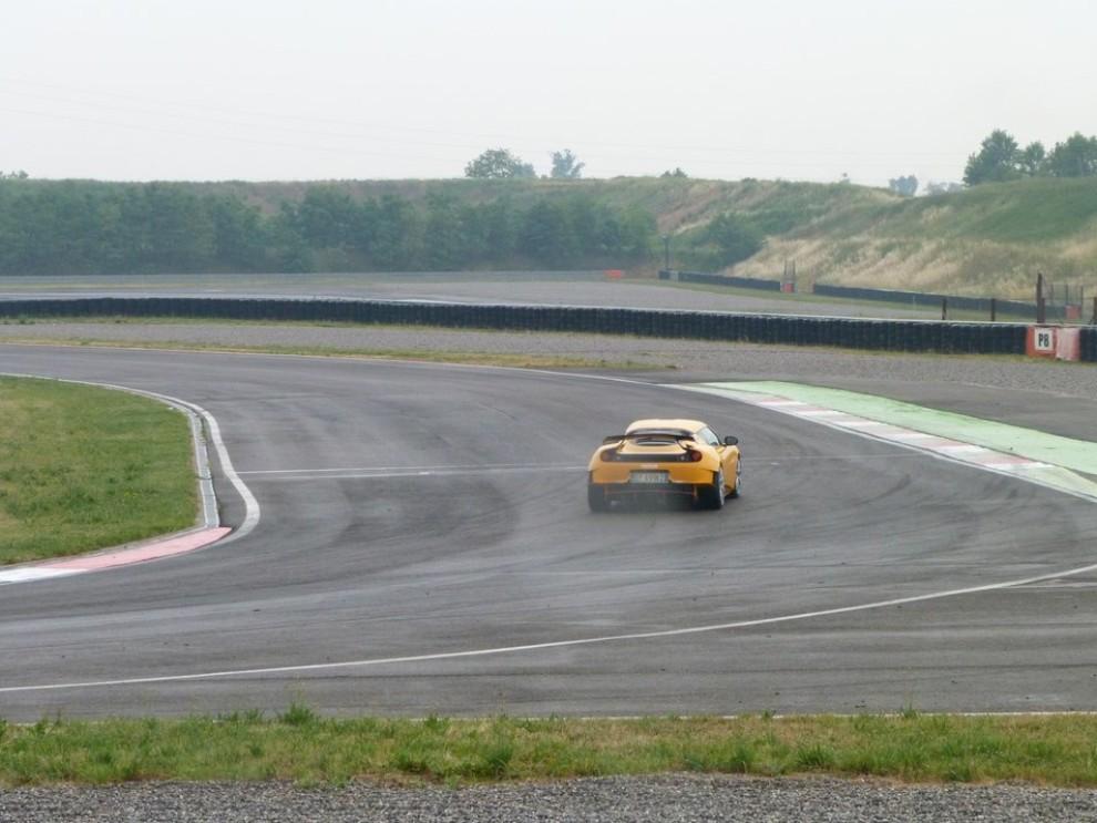 Lotus Evora S in pista con Tommy Maino - Foto 9 di 13