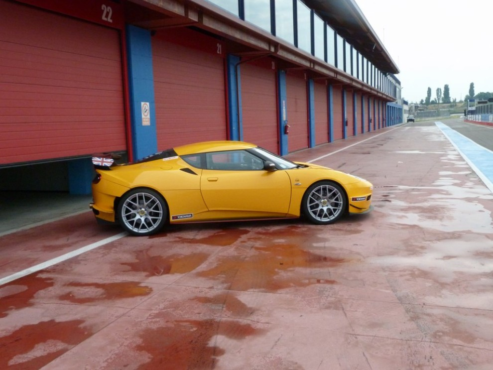 Lotus Evora S in pista con Tommy Maino - Foto 11 di 13