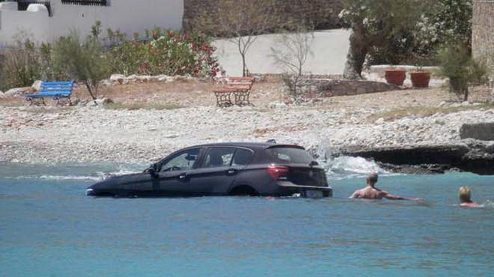 BMW Serie 1, epic fail in mare - Foto 1 di 3