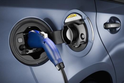 Auto elettriche, oltre il 20% nel Lazio ed in Lombardia