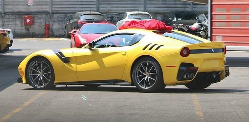 Ferrari F12 Speciale, ecco le prime foto - Foto 4 di 4