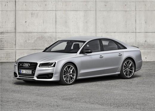 Audi S8 plus, esagerata in tutti i sensi