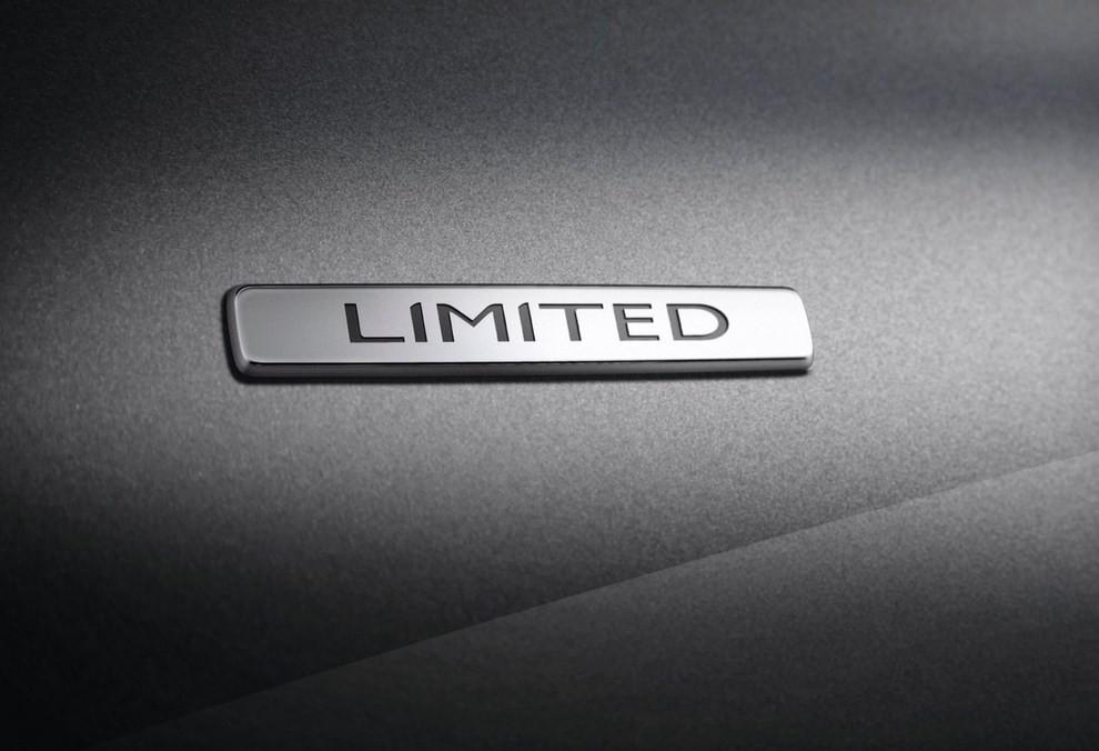 Renault Scenic ed Xmod Limited con nuovi equipaggiamenti e motori - Foto 1 di 2