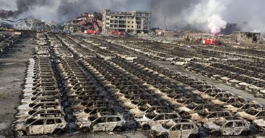 Esplosione in Cina, danni anche alle case automobilistiche