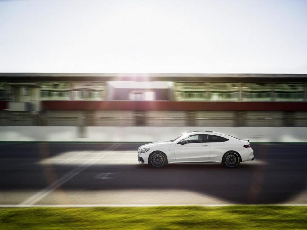 Mercedes C Coupè AMG, video e foto - Foto 3 di 27