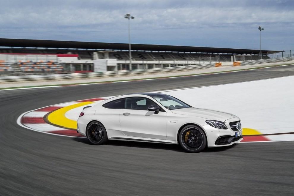 Mercedes C Coupè AMG, video e foto - Foto 7 di 27