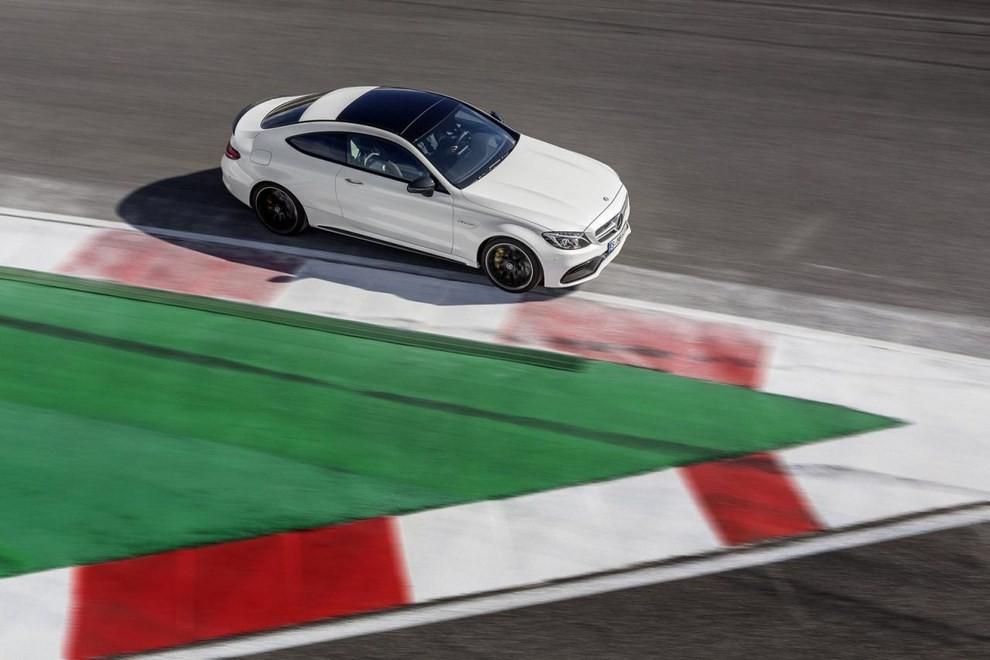 Mercedes C Coupè AMG, video e foto - Foto 11 di 27