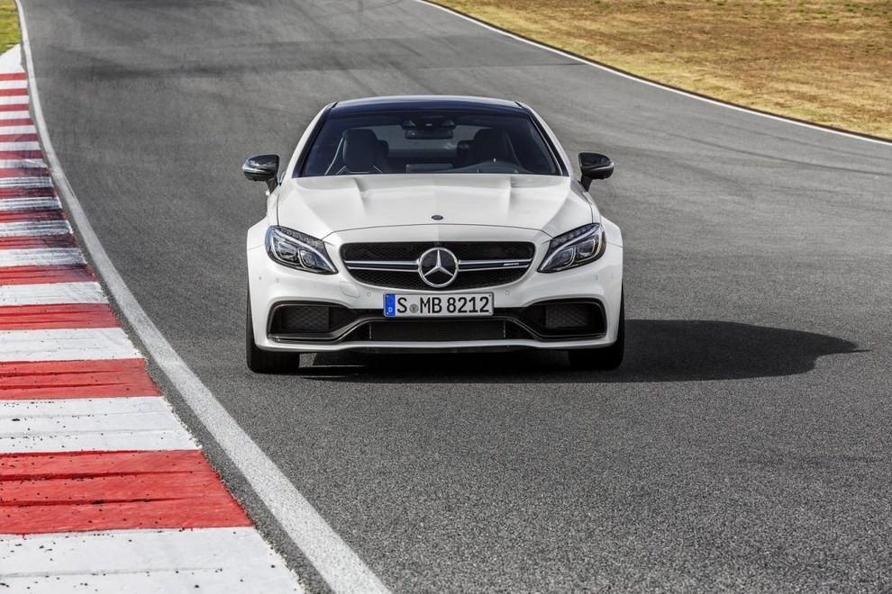 Mercedes C Coupè AMG, video e foto - Foto 13 di 27