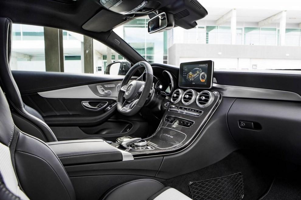 Mercedes C Coupè AMG, video e foto - Foto 18 di 27