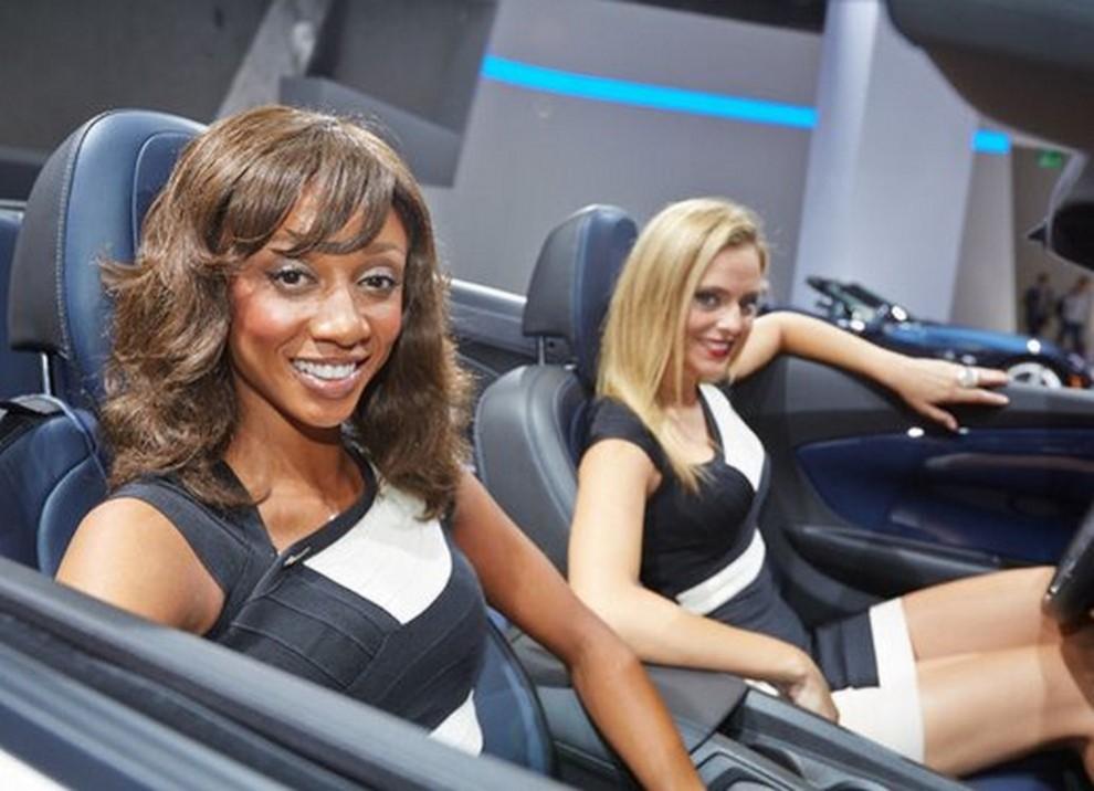 Le ragazze più belle al Salone di Francoforte in un'ampia gallery - Foto 2 di 15