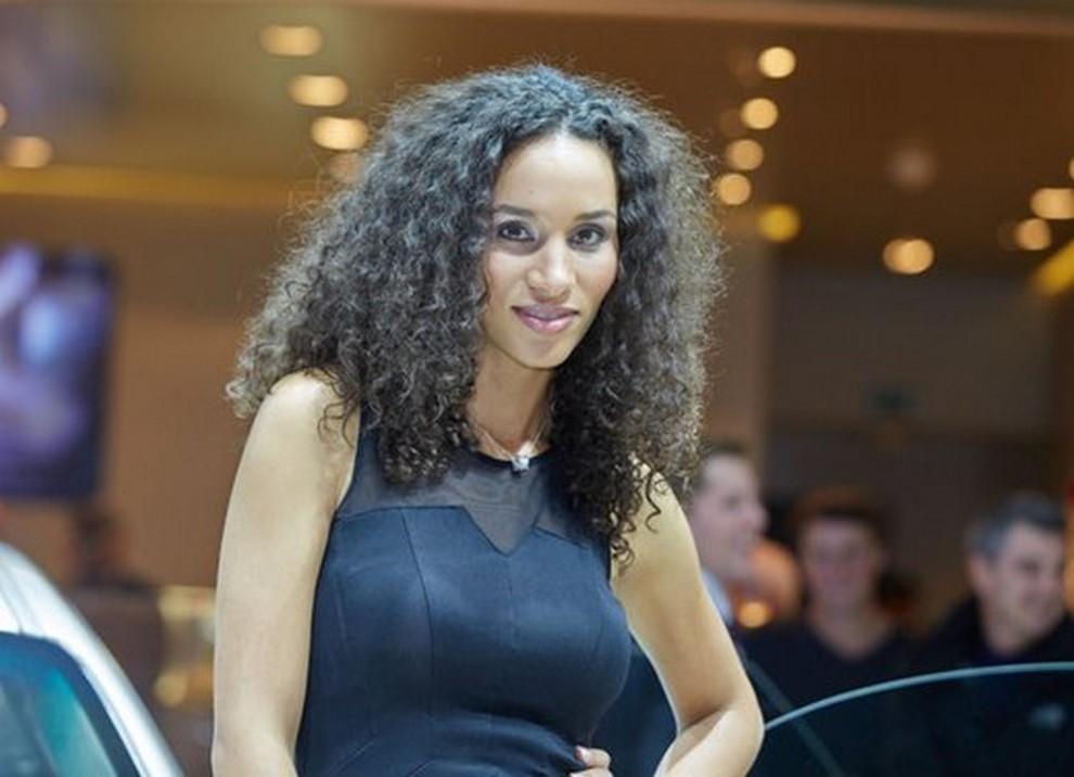 Le ragazze più belle al Salone di Francoforte in un'ampia gallery - Foto 5 di 15