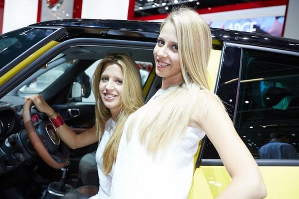 Le ragazze più belle al Salone di Francoforte in un'ampia gallery - Foto 6 di 15