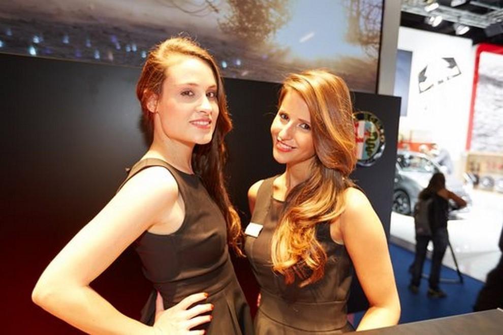Le ragazze più belle al Salone di Francoforte in un'ampia gallery - Foto 11 di 15