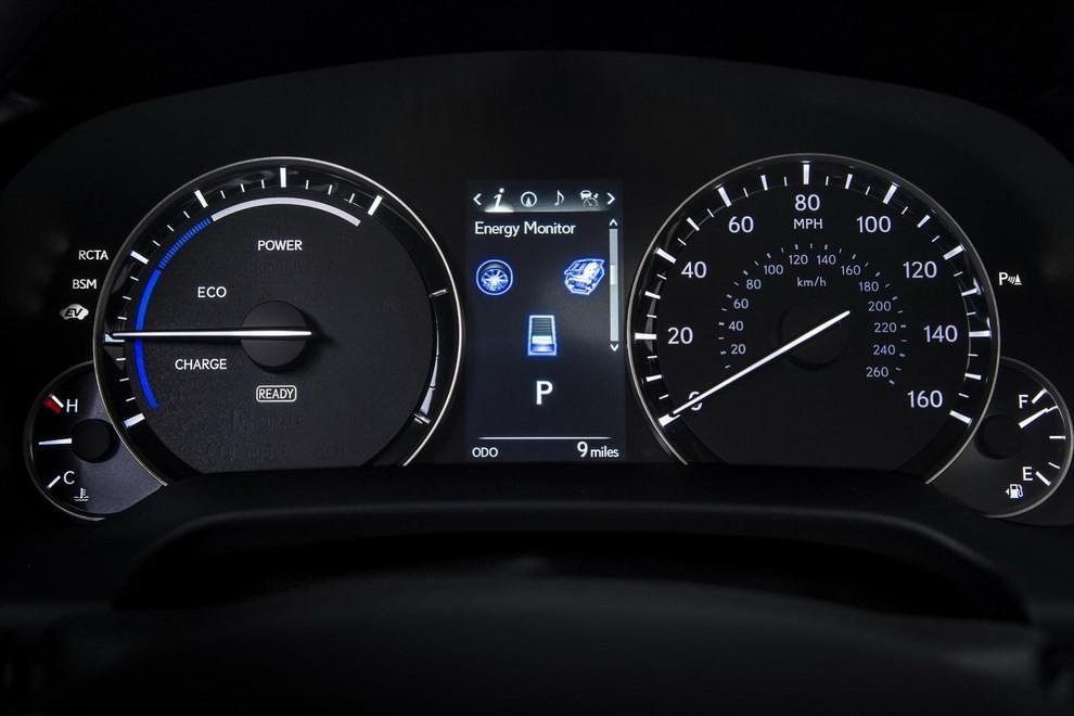 Nuova Lexus RX 450H ora con 313 CV - Foto 7 di 17