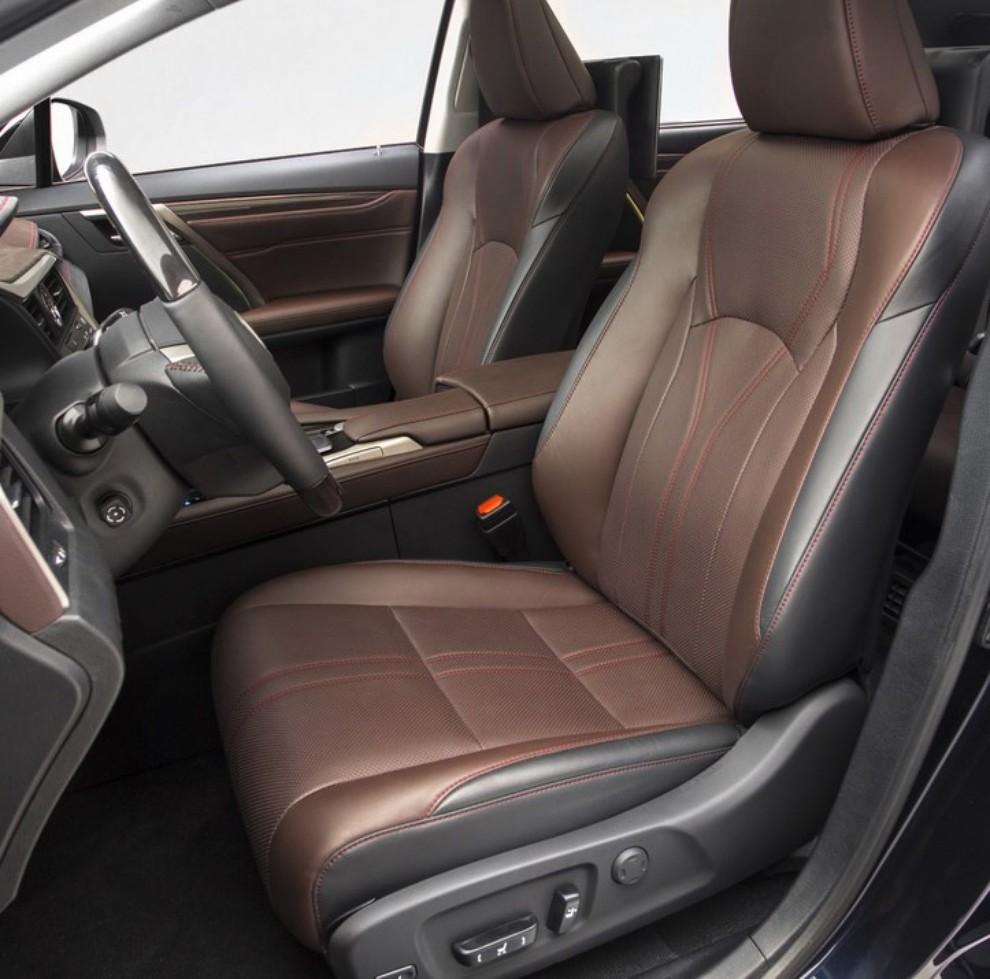 Nuova Lexus RX 450H ora con 313 CV - Foto 14 di 17
