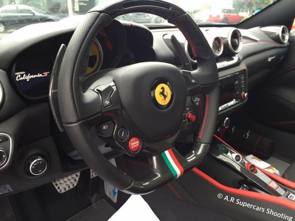 Ferrari California T Vettel Edition foto spia dell'esemplare unico - Foto 2 di 3