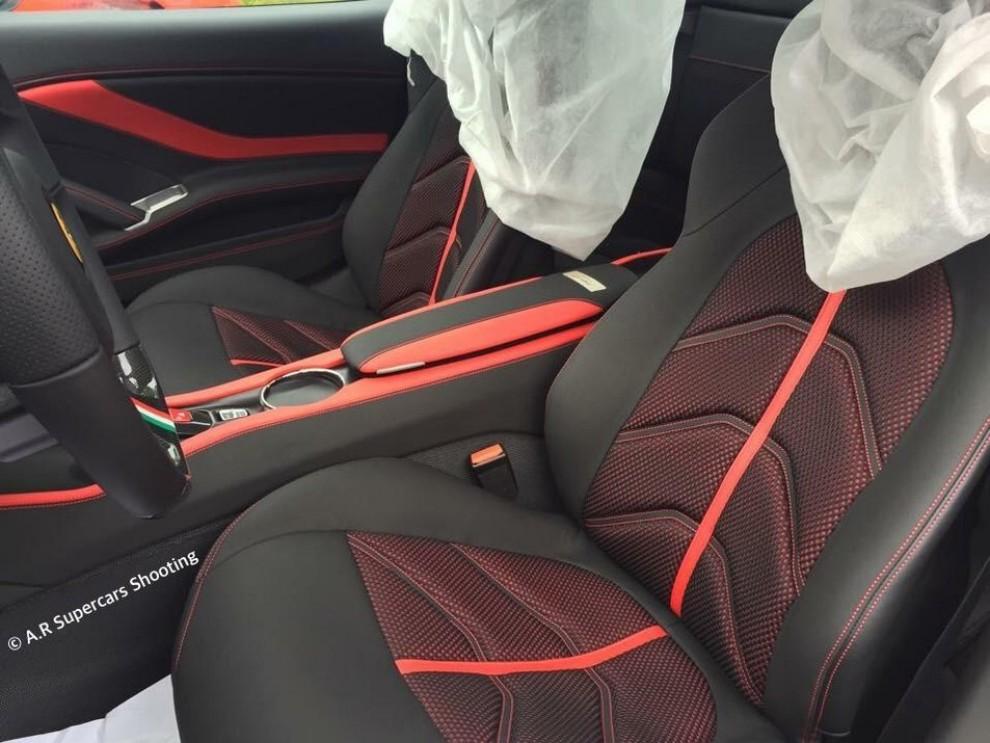 Ferrari California T Vettel Edition foto spia dell'esemplare unico - Foto 3 di 3