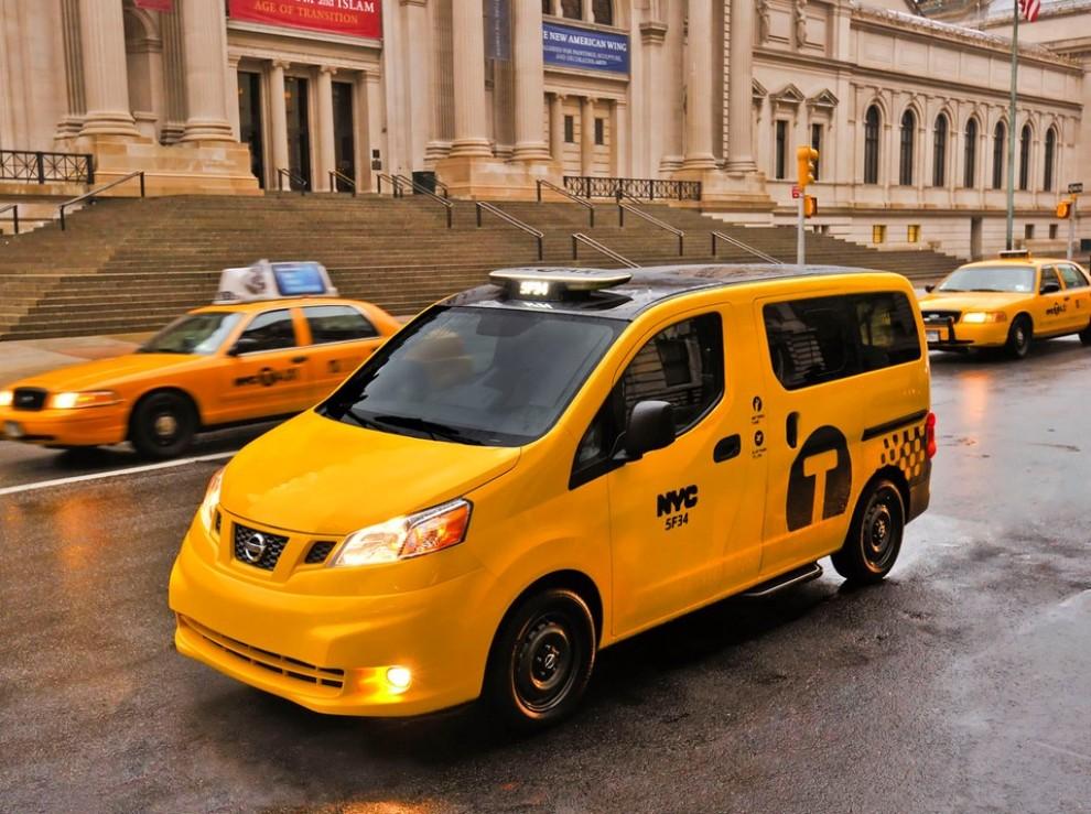 Nissan NV200 è il nuovo taxi di New York - Foto 10 di 28