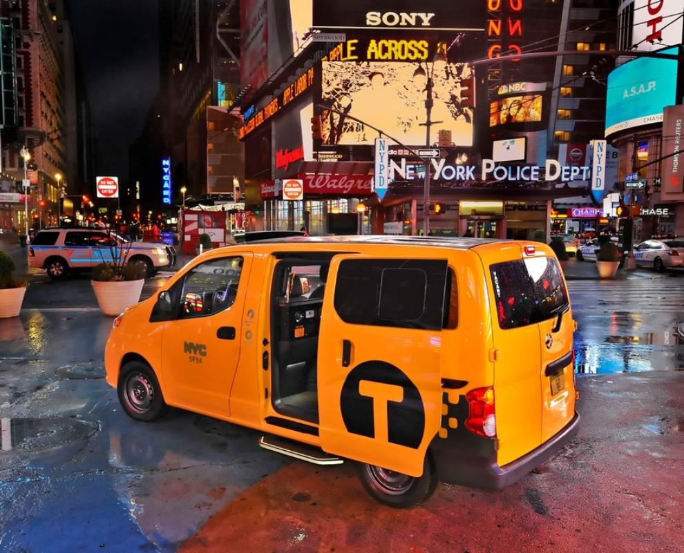 Nissan NV200 è il nuovo taxi di New York - Foto 13 di 28