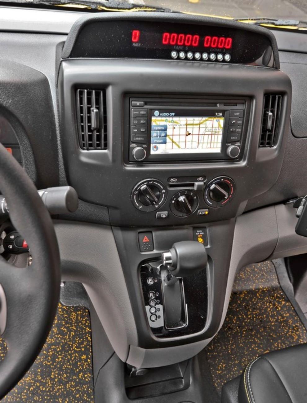 Nissan NV200 è il nuovo taxi di New York - Foto 20 di 28