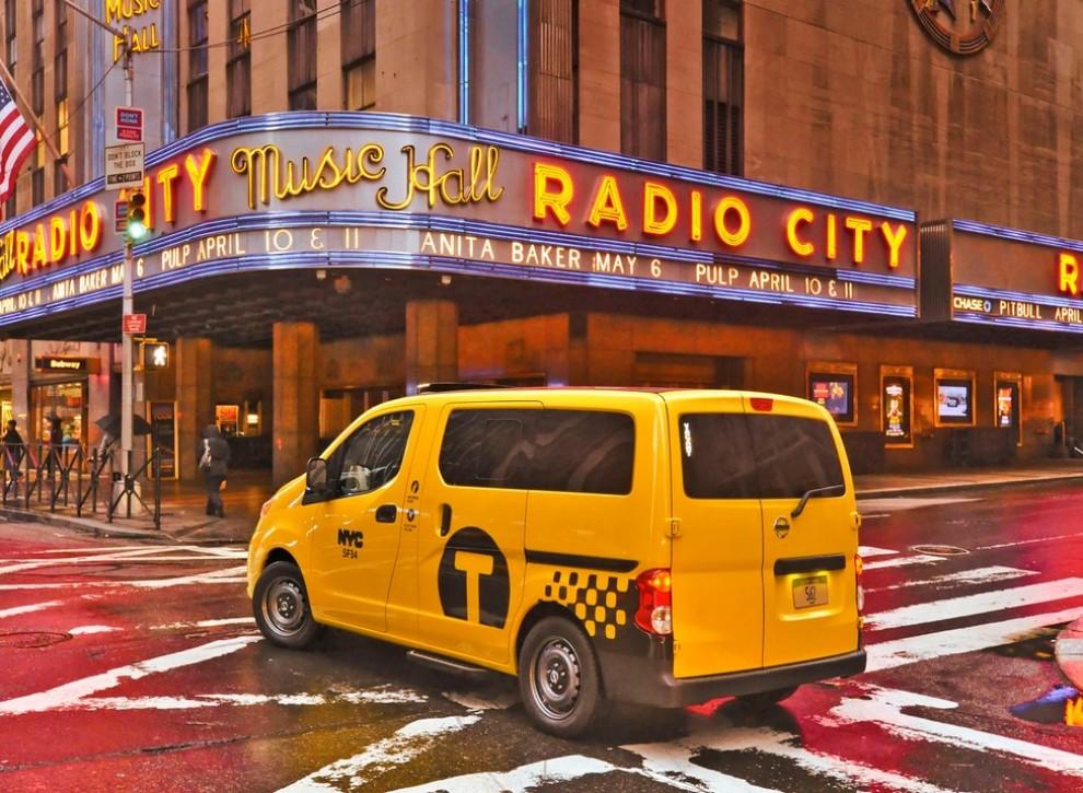 Nissan NV200 è il nuovo taxi di New York - Foto 6 di 28