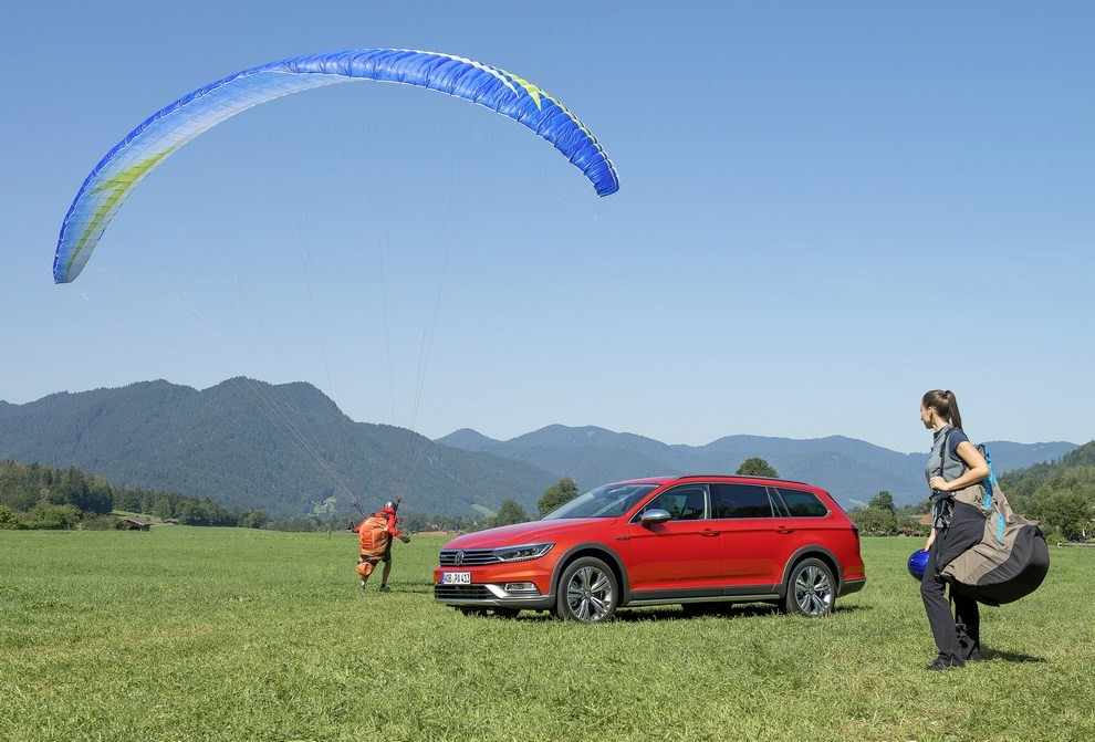 Nuova Volkswagen Passat Alltrack foto ed informazioni ufficiali - Foto 8 di 28