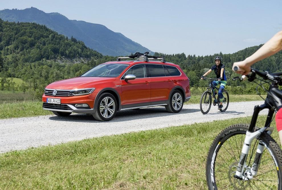 Nuova Volkswagen Passat Alltrack foto ed informazioni ufficiali - Foto 20 di 28