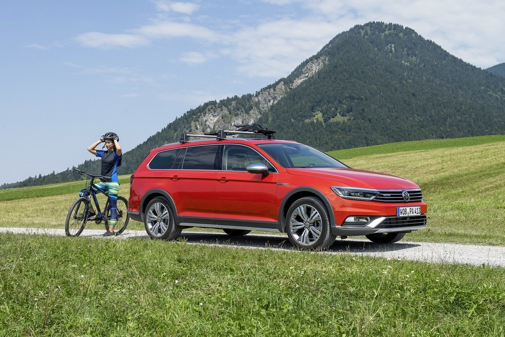 Nuova Volkswagen Passat Alltrack foto ed informazioni ufficiali - Foto 21 di 28