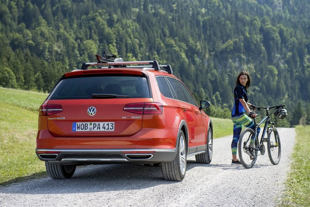 Nuova Volkswagen Passat Alltrack foto ed informazioni ufficiali - Foto 22 di 28