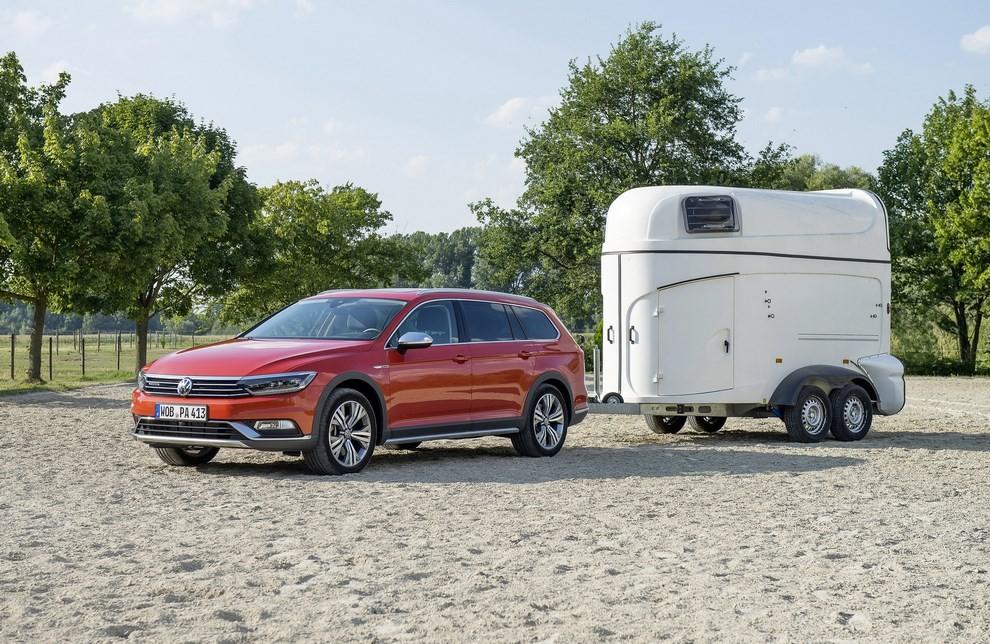 Nuova Volkswagen Passat Alltrack foto ed informazioni ufficiali - Foto 25 di 28